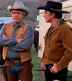 James Drury The Virginian and Doug McClure as Trampas in The Fall Guy Gaucho, Cowgirls, The Fall Guy, Doug Mcclure, James Drury, The Virginian, Famous Faces, Cowboys, Movie Stars