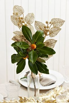 Styled Sealed Delivered — Christmas table decoration | gold xmas decorations