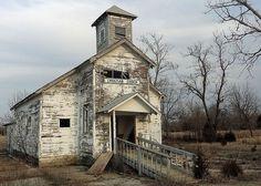christian-church-abandoned