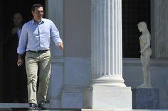 Renuncia @atsipras y convoca a #elecciones anticipadas #rescateGrecia http://lajor.mx/1JlwbwY