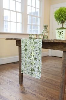 Table Runner in Fern Moss | Hen House Linens