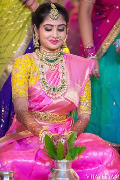 Pink silk saree is a must have in every women's wardrobe. Thus, let's have a look at beautiful blouse designs for pink color silk saree Indian Bridal Sarees, Bridal Silk Saree, Indian Bridal Fashion, Saree Wedding, Wedding Bride, Wedding Blouses, Wedding Prep, Wedding Saree Blouse Designs, Half Saree Designs