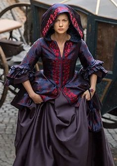 Claire Fraser - Outlander Season Two. These costumes by Terry Dresbach are to die for.