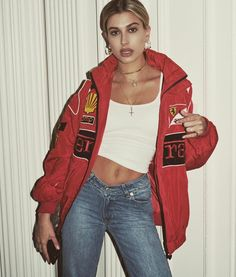 217.8K vind-ik-leuks, 628 reacties - Hailey Baldwin (@haileybaldwin) op Instagram: 'from the archives of @pierretoussaint ps: this is my favorite jacket I own cc @samimirovintage'