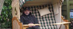 Ein Strandkorb für einen Kapitän. Bullaugen, die Seefahrt grüßt ... Toddler Bed, Loft, Furniture, Home Decor, Beach Tops, Nice Asses, Child Bed, Decoration Home, Room Decor