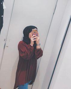 Modest Fashion Hijab, Street Hijab Fashion, Hijab Chic, Abaya Fashion, Teen Girl Photography, Photography Poses Women, Fashion Photography, Hijabi Girl, Girl Hijab