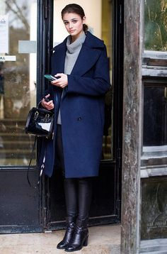 38 Oversized Wool Coat and Boots for Your Winter Style - Outfit - Winter Mode Model Off Duty Style, Models Off Duty, Fall Winter Outfits, Autumn Winter Fashion, Spring Fashion, Casual Winter, Mode Outfits, Fashion Outfits, Womens Fashion