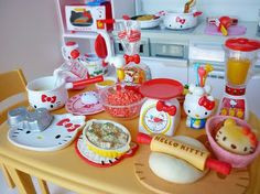 Hello Kitty Kitchen Items