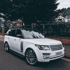 Range Rover hochgeladen von Vicky_jay auf We Heart It - Trend Autos Neues 2019 Maserati, Ferrari, Ranger, My Dream Car, Dream Cars, Cadillac, Lux Cars, Range Rover Sport, Range Rovers
