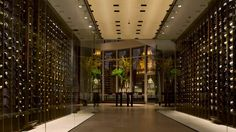 Trump Hotel Chicago is a downtown Chicago luxury hotel offering spacious accommodations including suites and condos. This Chicago riverfront hotel also features meeting and wedding venues, a day spa and vacation packages.