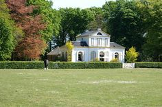Riniastate a lovely place in a peaceful setting not far from Nijemirdam Friesland Dutch, Cabin, Country Homes, Mansions, Palaces, Ancestry, House Styles, Enchanted, Houses