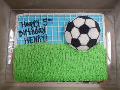 Soccer ball cake Soccer Birthday Cakes, Birthday Sheet Cakes, 4th Birthday Parties, 5th Birthday, Birthday Ideas, Happy Birthday, Soccer Ball Cake, Soccer Party, Cupcake Cakes