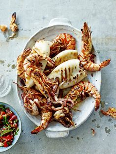 Mixed Grilled Seafood with Chunky Tomato Salsa Think Food, I Love Food, Good Food, Yummy Food, Fish Recipes, Seafood Recipes, Cooking Recipes, Grilled Seafood, Fish And Seafood