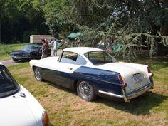 Ferrari ? Alfa Romeo ? Perdu ! Il s'agit d'une Jaguar XK 140 de 1955 carrossée par Ghia.