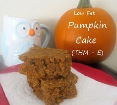 This low fat pumpkin cake is also full of protein and is an E on the Trim Healthy Mama eating plan! via @aohousewife