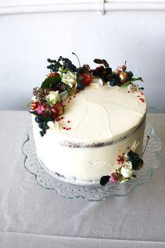 Cake Design http://www.becdickinson.com/cakes/