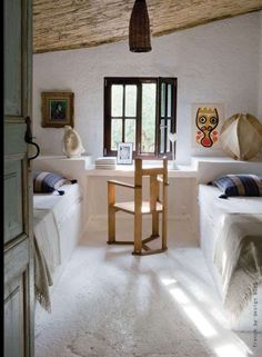 guest room with two beds.