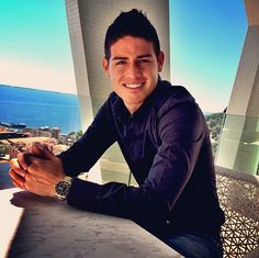 James Rodriguez, team Colombia, superstar of this fifa World Cup 2014 James Rodriguez Colombia, James Rodrigues, Soccer Fans, Soccer Players, James 10, Berlin, Good Looking Men, Famous Faces, Cristiano Ronaldo