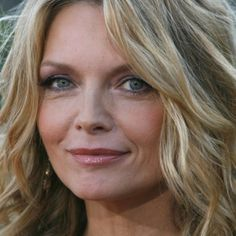 Michelle Pfeiffer was born in Santa Ana, California on April A winner of the Miss Orange County beauty pageant, she landed her breakthrough role in Scarface in Michelle Pfeiffer, Blond, Graduation Look, 1990 Style, Beauty Pageant, Hairspray, Beautiful Actresses, American Actress, Long Bob