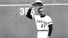 The time has come for Major League Baseball to honor Roberto Clemente and retire his No. 21 for all teams and for all time. Espn Baseball, Baseball Scoreboard, Baseball Helmet, Chicago Cubs Baseball, Baseball Socks, Baseball Bats, Roberto Clemente, Mlb Players, Baseball Players