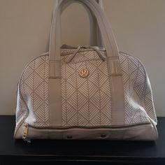 Lululemon gym bag Adorable cream gym bag. Light use!!! Price is firm lululemon athletica Bags Travel Bags