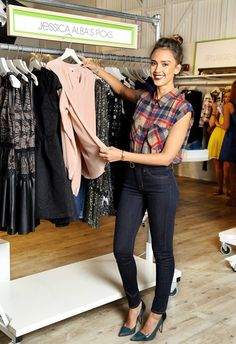Jessica Alba: Piperlime Welcomes Its New Guest Editor!: Photo Jessica Alba attends a celebration at the Piperlime store to welcome her as its' new guest editor on Wednesday (September in the Soho neighborhood of New York… Jessica Alba Outfit, Jessica Alba Style, Jessica Alba Fashion, Jessica Alba Casual, Summer Outfits, Casual Outfits, Cute Outfits, Fashion Outfits, Womens Fashion