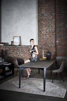 Eetkamers - Plyer tafel & Plyer Cup stoel - Deze strakke Plyer tafel van Sitino met Plyer Cup stoelen hebben een tijdloze look. De tafel is verkrijgbaar met verschillende onderstellen en verschillende kleuren en materialen van het blad. De tafel is verkrijgbaar in verschillende afmetingen, bladuitvoeringen, ...