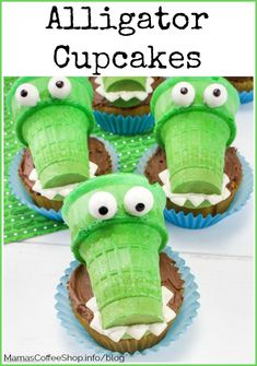 Alligator Cupcakes en Sommerfest Dessert - Lilly is Love Alligator Cupcakes, Alligator Party, Alligator Birthday Parties, Alligator Cake, Dessert Party, Party Desserts, Birthday Presents For Teens, Kids Birthday Themes, Preschool Birthday Treats
