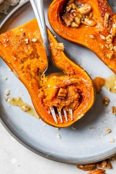 Roasted Honeynut Squash with Maple and Pecans - Skinnytaste Fun Easy Recipes, Fall Recipes, Healthy Recipes, Vegetarian Recipes, Healthy Food, Healthy Side Dishes, Side Dish Recipes, Honeynut Squash, Eat Seasonal