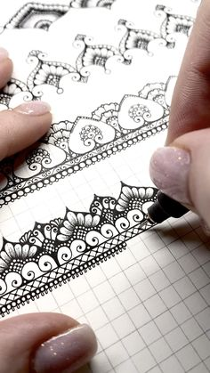 Mandala Art Lesson, Mandala Artwork, Doodle Art Drawing, Mandala Drawing, Watercolor Mandala, Mandala Doodle, Puzzle Drawing, Mandala Sketch, Art Drawings Sketches Simple