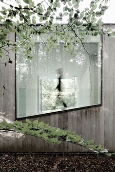 "Ventanal asimétrico en ""house Roces"" vivienda minimalista, por Govaert Vanhoutte…"