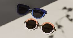 STUDIO4, the fourth concept of the MYKITA STUDIO collection introduces a fun sense of style. Inspired by a modular mode of construction, the collection comprises three bold stainless steel shapes: the cat-like 4.1, the squared 4.2 and the round 4.3.
