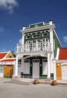 The aruban colorful houses remind me so much of New Orleans. I can't wait to see these bright and cheery neighborhoods! Take me there #aioutlet