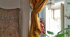 Si vous aimez les beaux tissus comme les suzanis, le mobilier vintage,  les maisons de caractère légèrement défraîchies,  vous allez s...