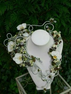 Gorgeous #floral Jewellery by Wendy Andrade #AIFD #florist #flowers…