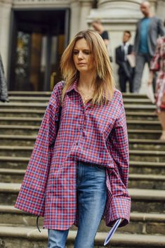 Red, Blue, Jeans, Plaid, London, Women, Oversized, Necklaces, Shirts, 1 Person, Button-downs, fashion week street style 2017 spring