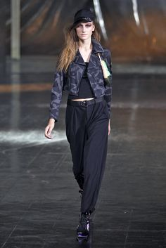 @y-3 S/S 2014 Women's Runway Looks #adidas #Y3 #Y3show #NYFW #meaninglessexcitement #PeterSaville