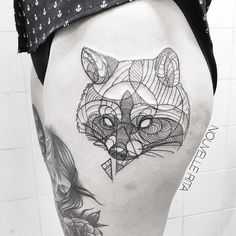 Portuguese tattoo artist Nouvelle Ritaflawlessly transforms animals into an array of geometric shapes and clean lines. Typically devoid of shading or color...