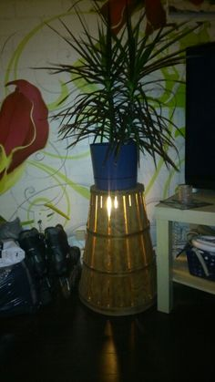 Lampe avec panier de pommes Lighting, Home Decor, Apple Baskets, Homemade Home Decor, Lights, Lightning, Decoration Home, Interior Decorating