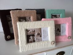 Bring warmth in your home with crochet product. This picture frames are ideal to give your home a cosy look. The wooden button makes the look complete and makes it easy to combine with nice natural wood products. The picture frame is available at WoodWoolDesign (on Etsy and Dawanda)