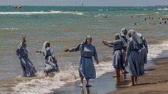 Mitten in der Burka-Debatte hat der italienische Imam Izzeddin Elzir auf…