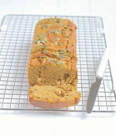 pompoencake Healthy Cake, Healthy Treats, Healthy Baking, Dutch Recipes, Baking Recipes, Sweet Recipes, Veggie Recipes, Bread Cake, Something Sweet