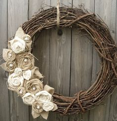 burlap twig wreath - i don't like a lot of wreaths. Crafts To Do, Home Crafts, Arts And Crafts, Diy Crafts, Burlap Flower Wreaths, Grapevine Wreath, Burlap Roses, Wreath Burlap, Fall Wreaths