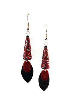 Boucles d'Oreilles Perles en Papier / Capsules Nespresso - Pendantes - Noir Rouges : Boucles d'oreille par cap-and-pap