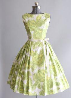 Vintage dress / cotton dress / by tuesdayrosevintage retro dress, lovely dresses, Vestidos Vintage, Vintage 1950s Dresses, Retro Dress, Vintage Outfits, Lovely Dresses, Beautiful Outfits, 1950s Fashion, Vintage Fashion, Fashion News