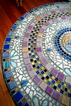 Mosaic table Bar foot wrought iron and 66 cm round mosaic marble top table. Height 72 cm Craft restoration by a Japanese artist. Nice place on the Center. Mosaic Wall, Mosaic Glass, Mosaic Tiles, Stained Glass, Mosaic Pots, Pebble Mosaic, Mosaic Birdbath, Mosaic Tray, Mosaic Mirrors