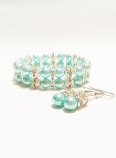 Pearl Bracelet and Earrings / Turquoise by VickysLittleSecrets, $16.50