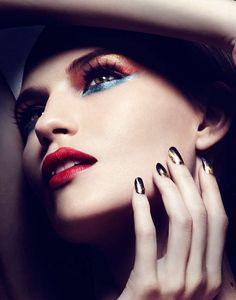 16 Close-Up Beauty Editorials