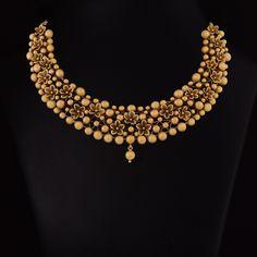 Vummidi Bangaru Jewellers Antique Jewellery Designs, Jewelry Design, Silver Jewellery Indian, Gold Jewellery, India Jewelry, Gold Jewelry Simple, Stylish Jewelry, Simple Necklace, Gold Bangles Design