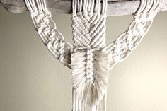 Joining 2 Pieces with a Macrame Feather Macrame Wall Hanger, Macrame Hanging Planter, Macrame Curtain, Macrame Cord, Macrame Knots, Hanging Planters, Macrame Projects, Macrame Tutorial, Macrame Patterns